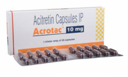 A box and a blister of Generic Soriatane 10 mg Caps - Acitretin